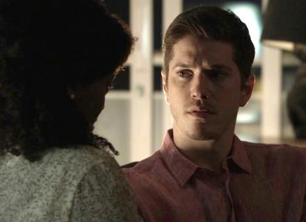 Bruno fica desconfiado com insinuação de Raquel sobre Gustavo