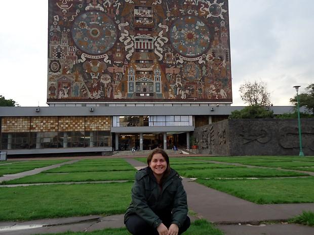 A estudante da Unicamp Ina Picoli durante intercâmbio no México (Foto: Arquivo Pessoal / Ina Picoli)