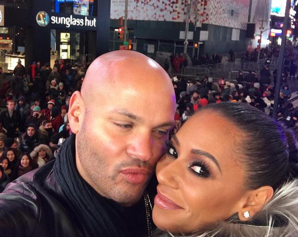 A cantora Mel B com o marido (Foto: Instagram)