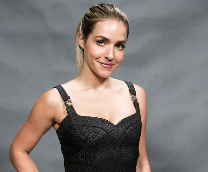 Monique Alfradique na coletiva de imprensa de 'A Regra do Jogo' (Foto: Globo/Caiuá Franco)
