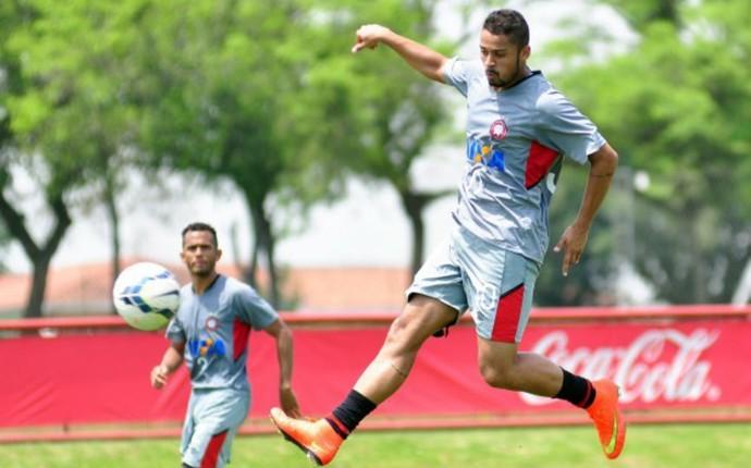 Dellatorre, Atlético-PR (Foto: Gustavo Oliveira/ Site oficial Atlético-PR)