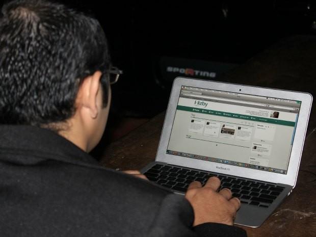 Evangélicos aderem à rede social cristã. (Foto: Alessandra Curado/G1)