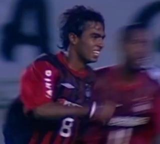 Fabrício; Atlético-PR; Brasileiro de 2005; Atlético-MG 2 x 3 Atlético-MG (Foto: Reprodução SporTV)