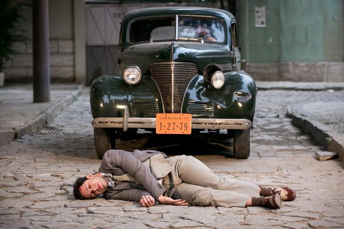 Celso sofre acidente e desmaia (Foto: Isabella Pinheiro/Gshow)