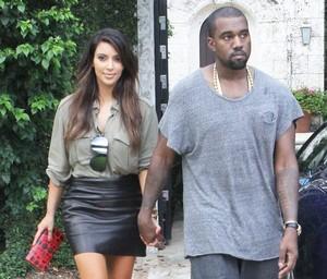 Kanye West e Kim Kardashian em Miami, nos Estados Unidos (Foto: X17/ Agência)