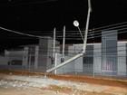 Motorista bate caminhonete em poste e moradores ficam sem luz, em  RO