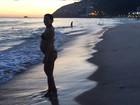 Carolina Ferraz faz mistério sobre nome de filha: 'Estamos na dúvida entre quatro'