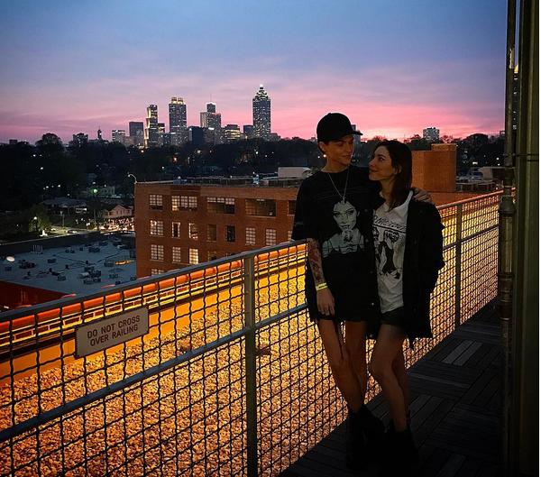 A atriz Ruby Rose e a namorada, a cantora Jessica Origliasso (Foto: Instagram)