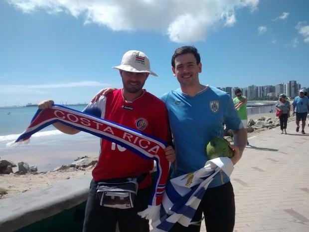 Em clima esportivo, torcedores provocam e confraternizam em Fortaleza (Foto: Gabriela Alves / G1)