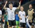 """Götze exalta Schweinsteiger, que se aposentou da Alemanha: """"Uma lenda"""""""