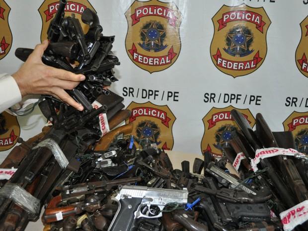 Armas recolhidas pela Polícia Federal em Pernambuco (Foto: Divulgação/Policia Federal)