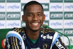 Matheus Sales Palmeiras coletiva (Foto: Cesar Greco/Ag Palmeiras/Divulgação)