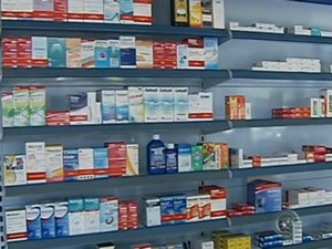 Medicamentos precisam ser descartados em local adequado (Foto: Reprodução/ TV TEM)