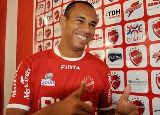 Robston - meia Vila Nova (Foto: Guilherme Gonçalves / Globoesporte.com)