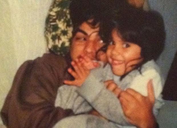 Camilla Camargo e o pai, Zezé Di Camargo, em foto da infância da atriz (Foto: Arquivo pessoal)