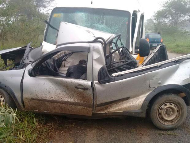 Segundo prefeitura, professores ficaram feridos (Foto: Anderson Oliveira/ Blog do Anderson)