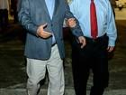 Lula se reúne com Omar Aziz durante escala em aeroporto de Manaus