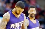Vídeo: atletas dos Suns discutem e trocam empurrões durante jogo (Reuters)