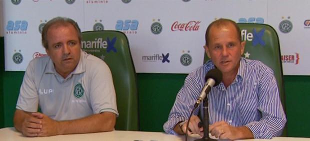 Vadão e Marcelo Mingone, em entrevista coletiva no Guarani (Foto: Reprodução / EPTV)