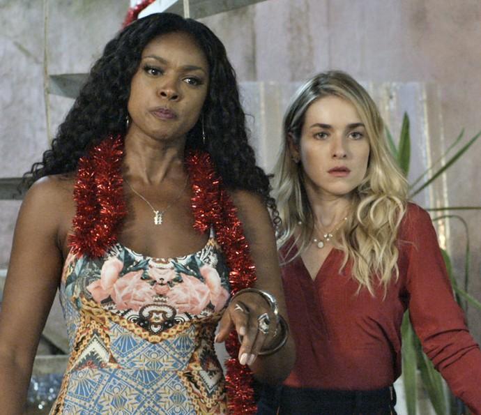 Será que Indira e Tina irão aceitá-los de volta? (Foto: TV Globo)