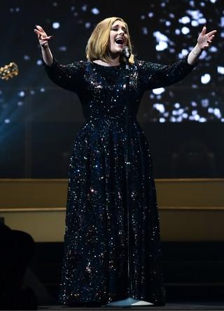 Adele inicia nova turnê com show em Belfast, no Reino Unido (Foto: Getty Images)