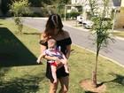 Rubia Baricelli se derrete pela filha: 'Não aguento as dobrinhas'