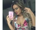 Geisy Arruda posta selfie decotada e ganha elogios