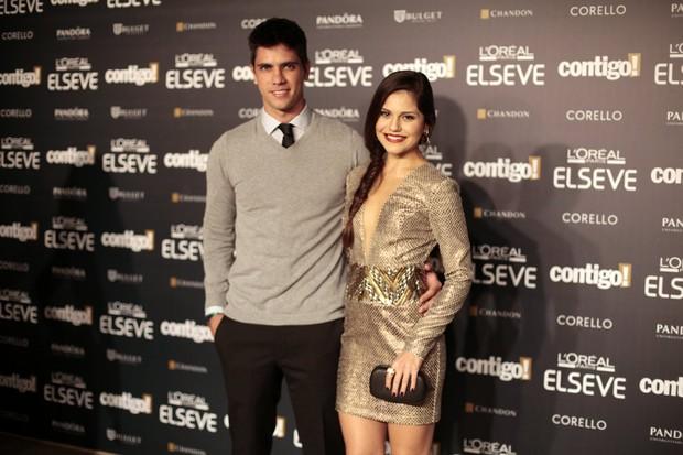 Jessika Alves com o namorado  (Foto: Isac Luz / Ego)