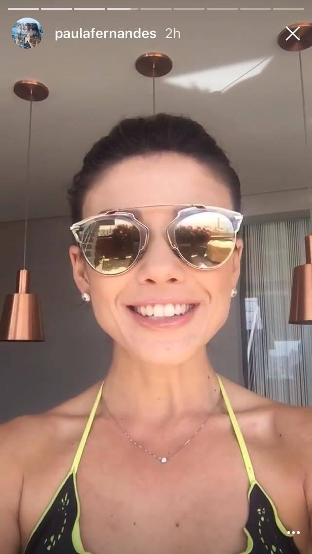 Quer ver Paula Fernandes cantando de biquíni  Siga-a nas redes ... 1c2d15e5a3