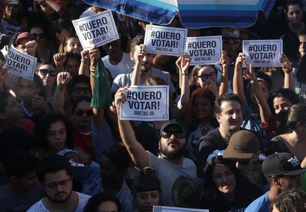 Ato no Largo da Batata, em São Paulo, pede eleições diretas (Foto: Paulo Pinto/AGPT)