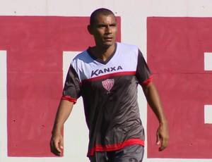 Rodrigues lateral Mogi Mirim (Foto: Oscar Herculano Jr / EPTV)