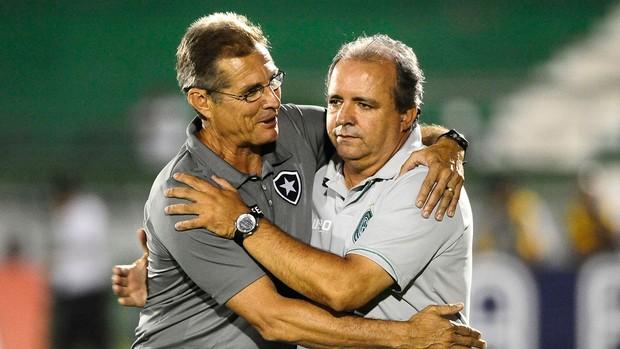 Oswaldo de Oliveira Botafogo e Vadão Guarani (Foto: Marcos Ribolli / Globoesporte.com)