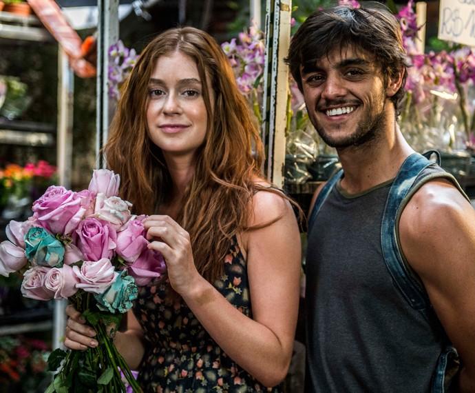 Personagens de Marina Ruy Barbosa e Felipe Simas se conhecerão nas ruas (Foto: Globo/Renato Rocha Miranda)