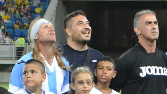 Falso Caniggia em amistoso Brasil x Argentina (Foto: Jocaff Souza/GloboEsporte.com)