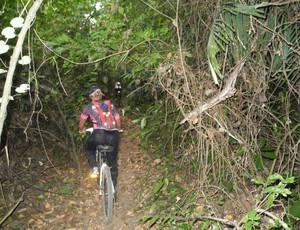 Grupo atravessa trilhas, morros e cachoeiras de bicicleta em Ji-Paraná (Foto: Selma Valeria da Fonseca/Arquivo pessoal)