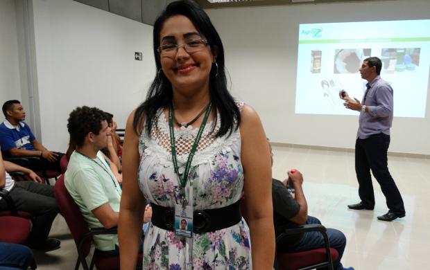 Priscila Magalhães assistiu a paletra e considera importante a mudança no processo de reciclagem (Foto: Onofre Martins/Rede Amazônica)
