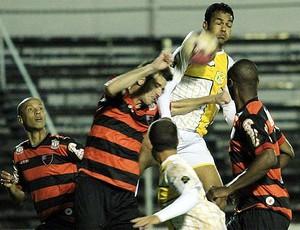 Lance de Oeste 2 x 1 Brasiliense - Série C Brasileiro (Foto: Cláudio Bispo/Brasiliense FC)
