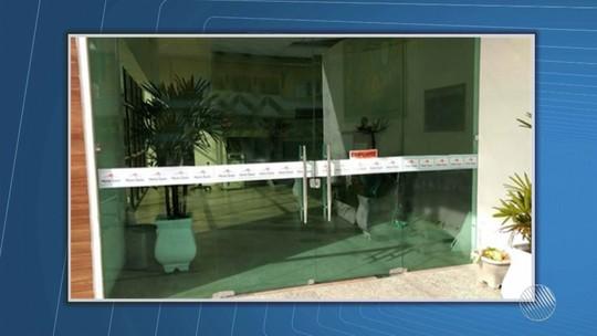 Prefeitura tem portas trancadas e nova gestão contrata chaveiro na BA