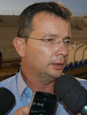 Tassiano Gadelha, técnico do Atlético de Cajazeiras (Foto: Silas Batista / GloboEsporte.com)