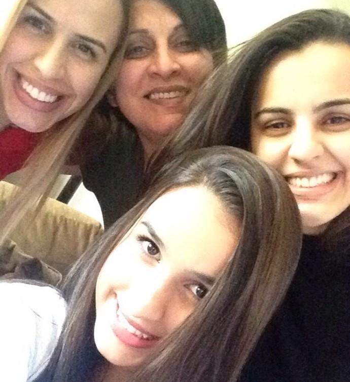 Allice irmãs e mãe The Voice Brasil (Foto: Arquivo pessoal)