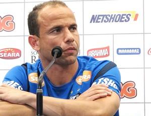 Leo, coletiva Santos (Foto: Lincoln Chaves / Globoesporte.com)