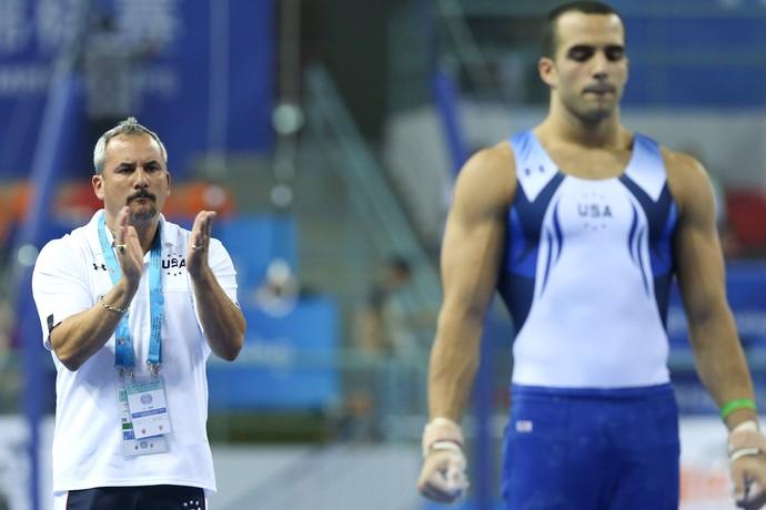 Danell Leyva e seu técnico Yin Alvarez GINASTICA MUNDIAL (Foto: Ricardo Bufolin /CBG)