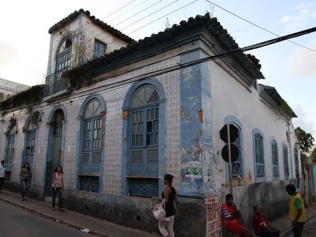 Deteriorada, casa onde Aluísio Azevedo morou pode virar estacionamento (Foto: Douglas Jr/O Estado)