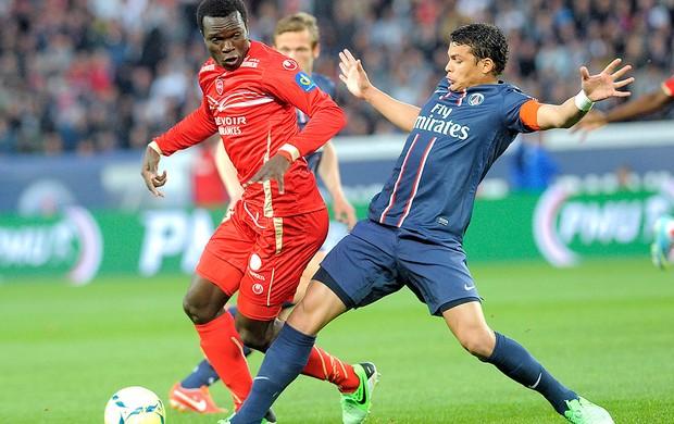 Thiago Silva jogo PSG  Valenciennes (Foto: AFP)