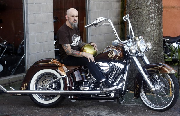 """Paulo e sua moto """"La Chica"""" (Foto: Paulo Costa)"""