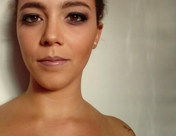 Fernanda Teixeira fez uma experiência no Tinder e revelou parte do que as mães solteiras sofrem ao buscar um relacionamento (Foto: Arquivo pessoal/ Fernanda Teixeira)