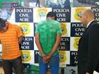 Polícia apresenta dupla suspeita de assaltar eletricista e roubar moto