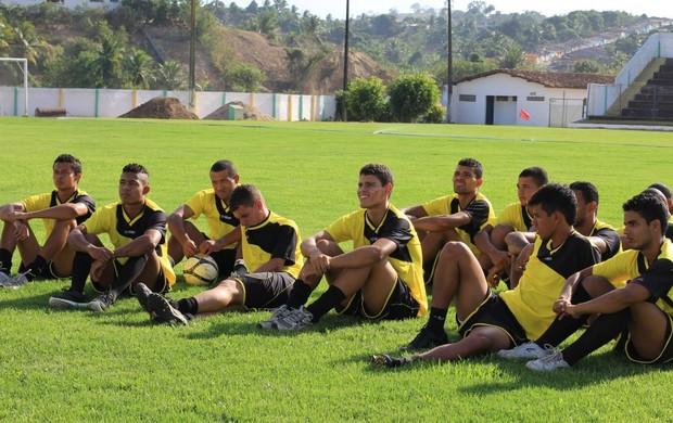 Jogadores do Comercial durante treinamento no Vilelão (Foto: Divulgação/Comercial)