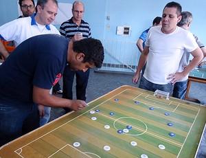 Torneio de futebol de botão do São Bento Sorocaba (Foto: Benjamim Pesce/Globoesporte.com)
