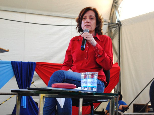 Jornalista Miriam Leitão participou de encontro literário em Monteiro Lobato (Foto: Daniel Corrá/G1)